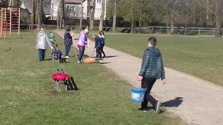 Geri-darbai-puošia-žemę-3